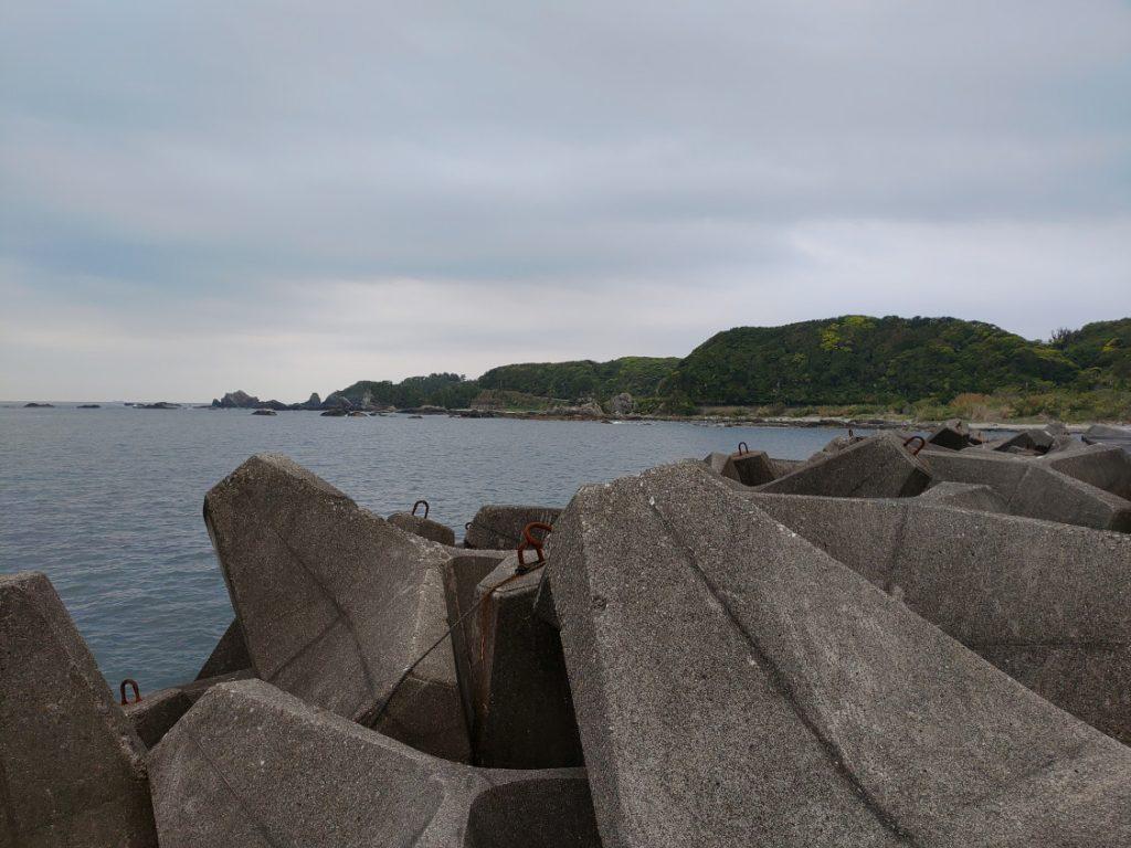 萩尾漁港エギング 大きいテトラ