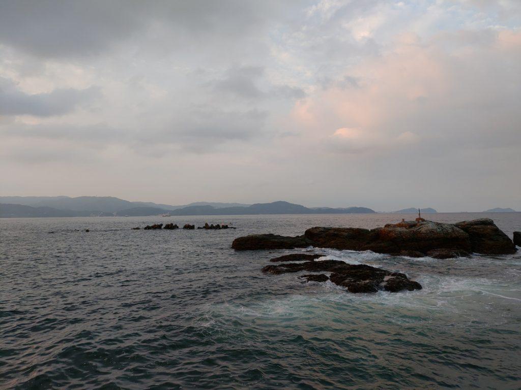 田ノ浦漁港 姥岩